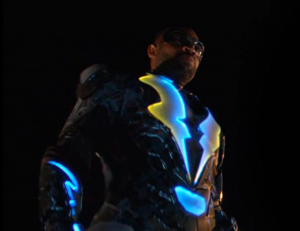 Black Lightning standing like a super hero